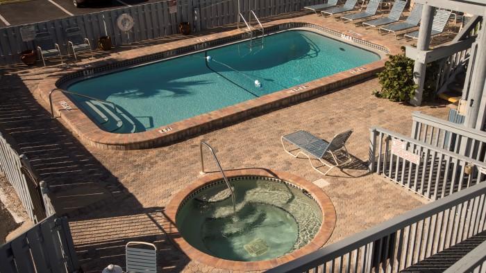 Englewood Beach Resorts | | Englewood Beach and Yacht Club